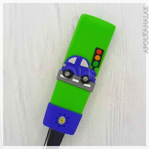 Bogár autó lámpával